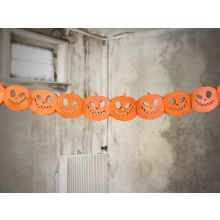 Kürbis-Girlande Halloween - Gruselkürbisse vor hellem Hintergrund