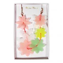 Halskette mit Pastellblüten